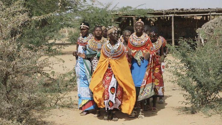 Face à un patriarcat violent, à des mariages précoces et à l'excision, Rebecca a créé un village interdit aux hommes.
