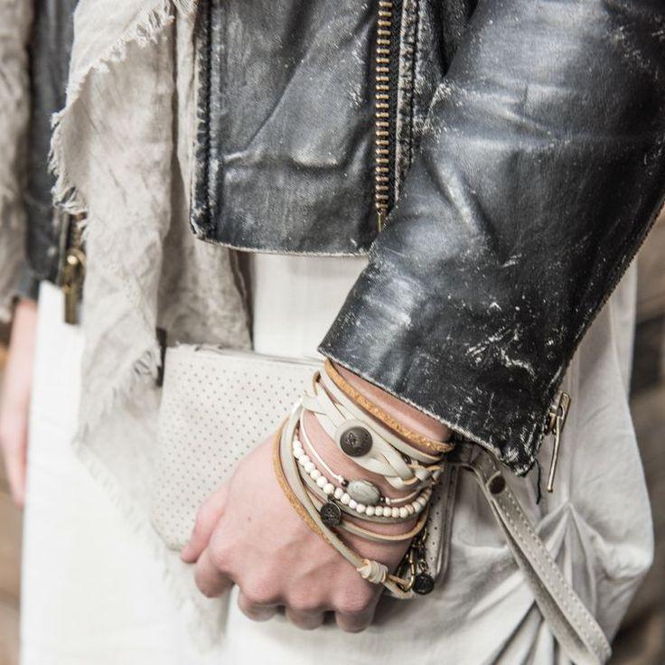 Zusss gevlochten armband 21,5 x 2cm poedergrijs