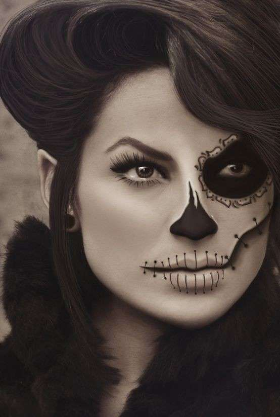 Trucco di Halloween da scheletro - Make up scheletro per Halloween solo da un lato del viso