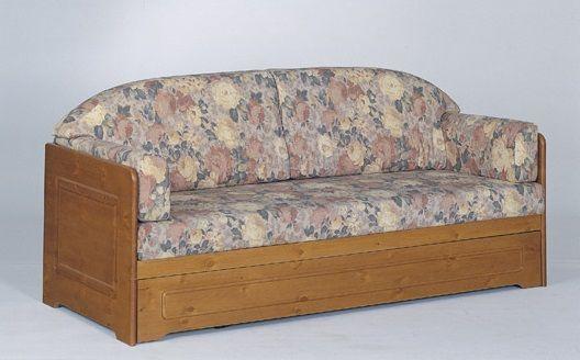#Divano letto in pino, con secondo letto estraibile. Costruito interamente in legno massiccio da DEMAR MOBILI. #produzione #mobilirustici #salotti #mobili www.demarmobili.it