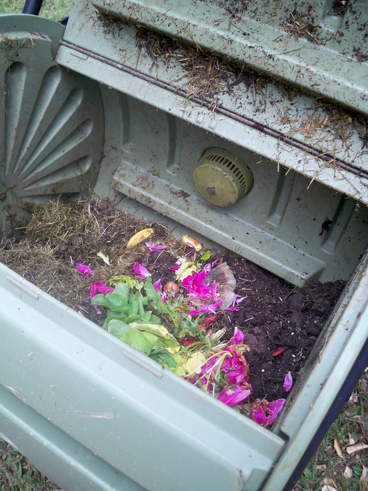 composting: Gardens Ideas, Compost Bins, Compost Goinggreen, Compost Going Green, Gardening, Compost Commenc, Compost Go Green, Dreams Gardens