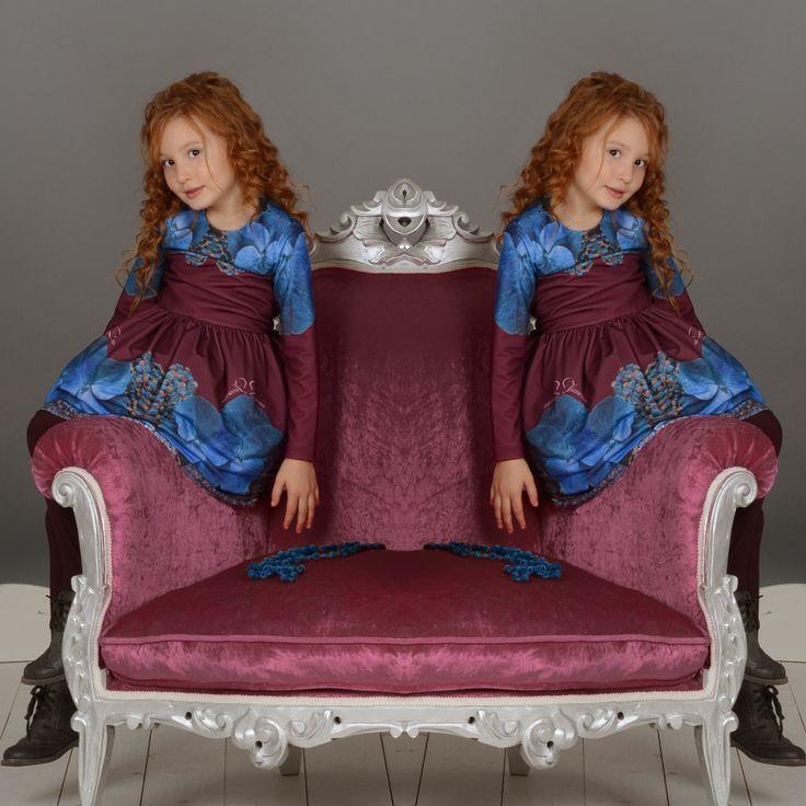 Тази страхотна рокля с красив, флорален мотив ще бъде истинско бижу в гардероба на вашето дете.