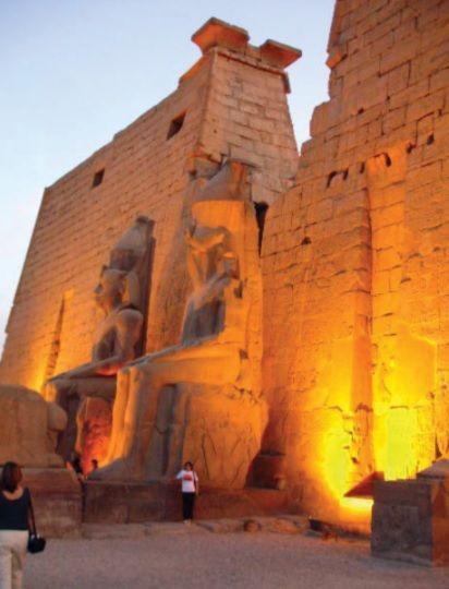 Ruínas do pátio do templo de Luxor.
