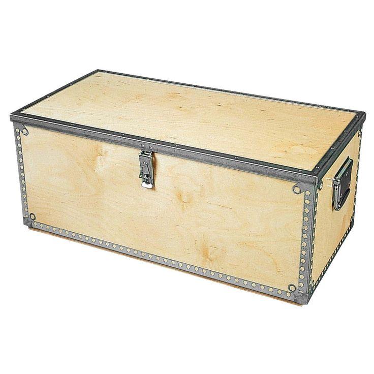 Robust trälåda med metallkarmar, två handtag, kraftiga beslag och 6mm tjock plywood. Kan låsas med hänglås. | Välkommen till Jula och prisvärd renovering!