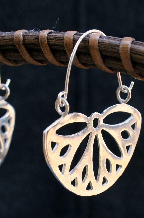 Silver hoop earrings - Spring Daisy silver earrings on Etsy, $48.00