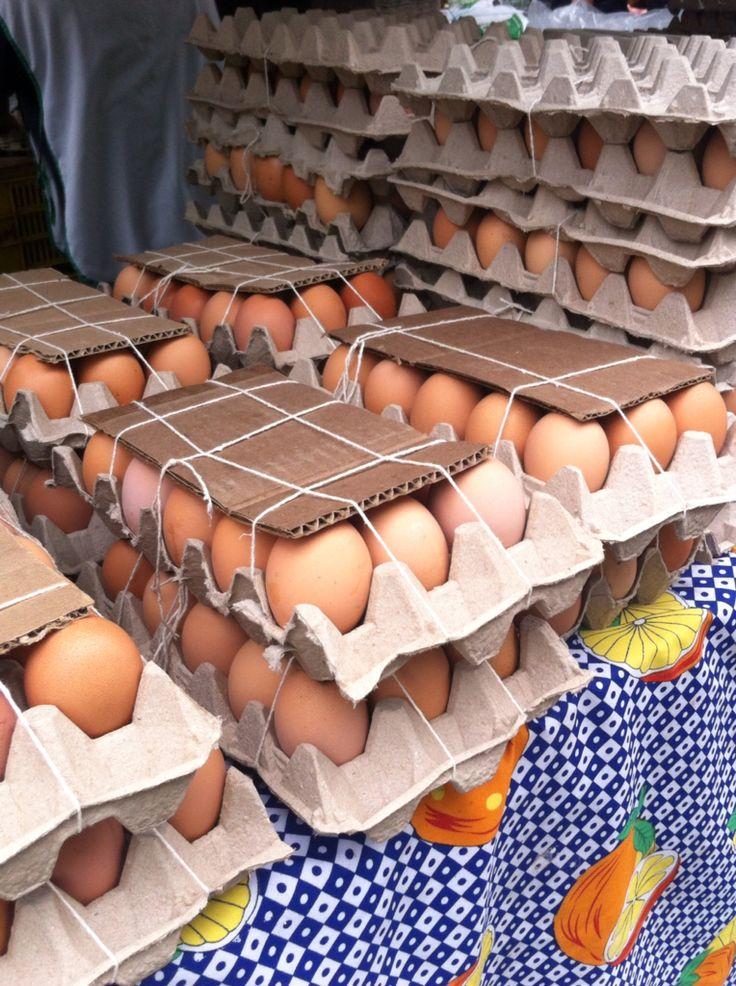 Huevos, Mercadito de los Palos Grandes.