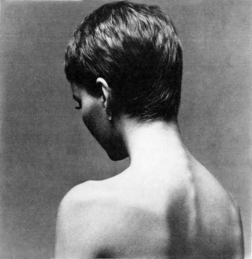 Mia Farrow for Vogue, 1966.  Photo by Richard Avedon (haircut by Vidal Sassoon).