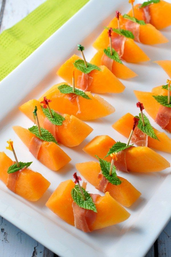 Prosciutto with Melon and Mint--an easy Italian appetizer. Great for holiday parties. |www.flavourandsavour.com