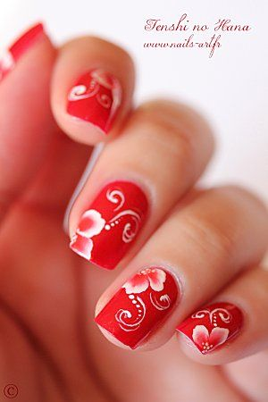 summer nails in bright red #nailart #nails