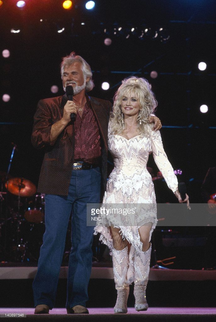 22nd ANNUAL ACADEMY OF COUNTRY MUSIC AWARDS -- Pictured: (l-r) Kenny Rogers, Dolly Parton -- Photo by: Gary Null/NBCU Photo Bank
