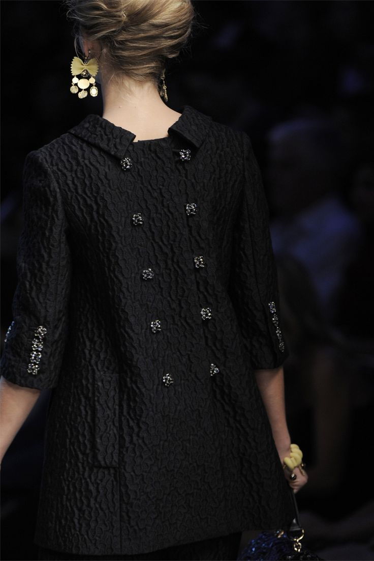 dolce and gabbana~want: Black Dresses, Bows Earrings, Gabbana Spring, Dolce & Gabbana, Dolce And Gabbana, Spring 2012, Coats, Design Style, Back Details