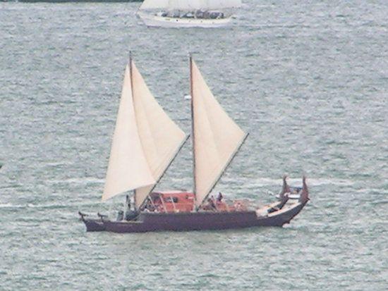 Auckland Anniversary Day Regatta. A Waka (Traditional Maori canoe ...