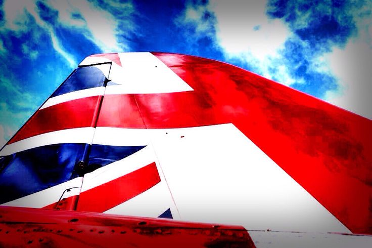Red Arrows- Flying the flag 2015