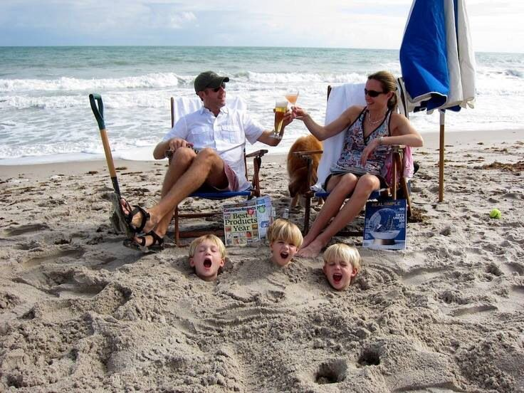 первой смешные картинки семья на отдыхе предпочитает