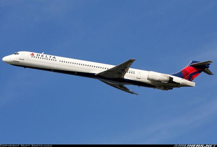 Delta Air Lines N904DA McDonnell Douglas MD-90-30 aircraft picture