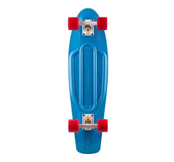 Penny Skateboards http://www.vogue.fr/mode/shopping/diaporama/un-noel-sous-les-tropiques/16717/image/891224#!penny-skateboards