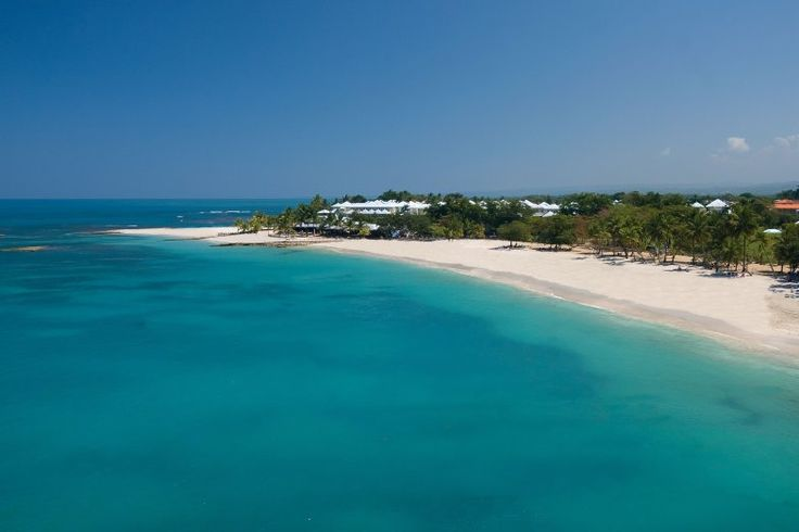 Rustic, yet refined, Playa Dorada in Puerto Plata seems to have been painted by the very sun. #Beach