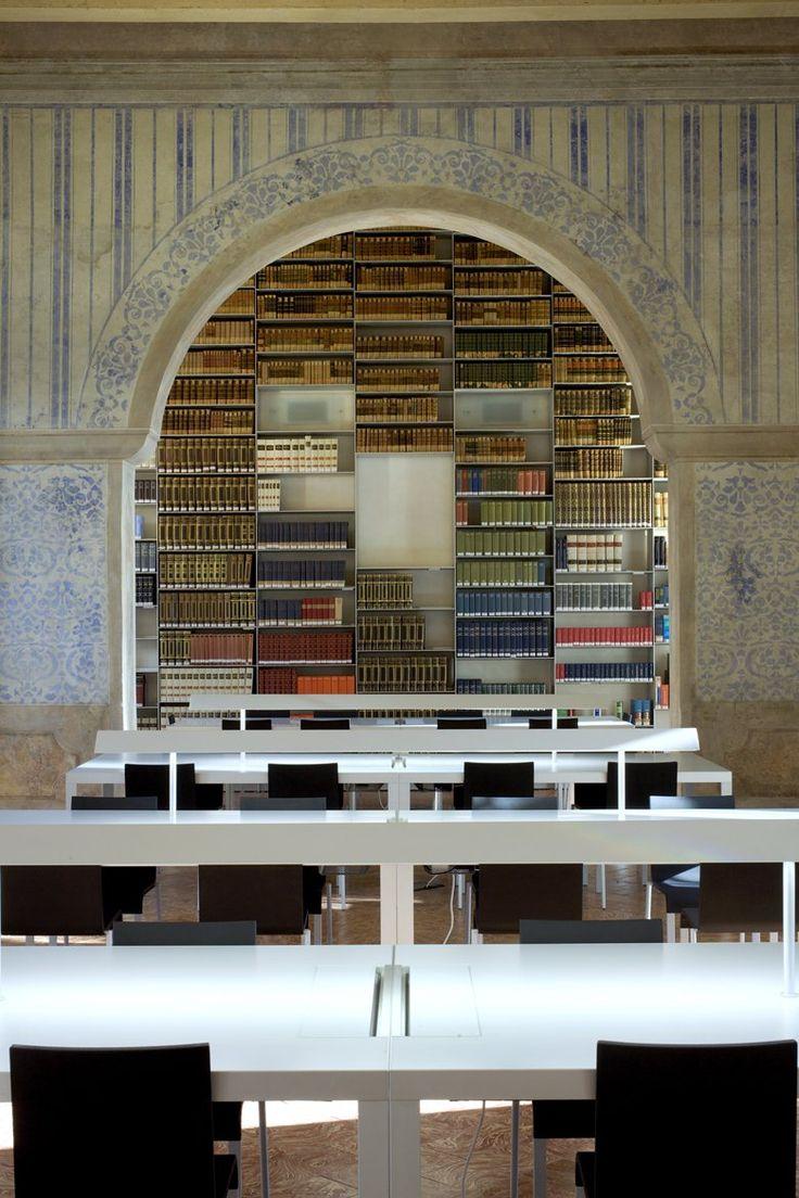 Nel 2005, su incarico della Fondazione Collegio San Carlo, gli Architetti Giancarlo e Francesco Ragazzi dello studio Ragazzi & Partners firmano il progetto di restauro della parte cinquecentesca e settecentesca della biblioteca del Collegio San...