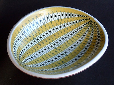 "Stig Lindberg ""Faience"" Dish. Hand painted & signed. circa 1960"