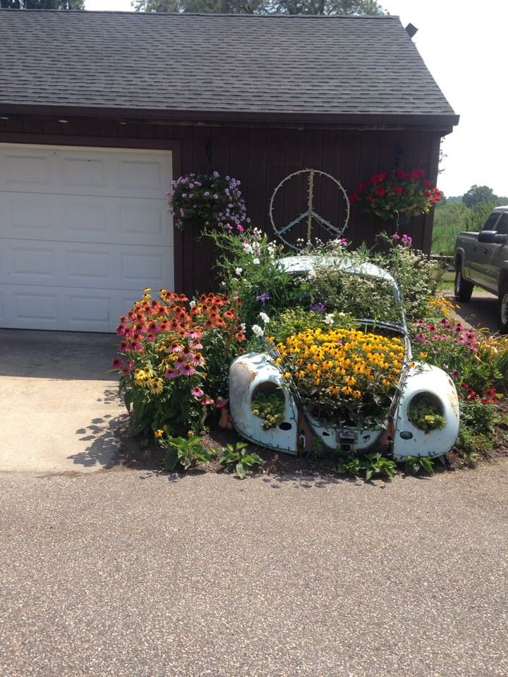 Flower Child Bug (Or  a Blooming Idiots Memory of Days Gone By) No matter which... A perfectly good waste of a great little car. Peace