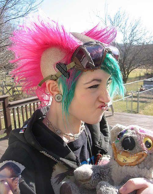 Punk/Extreme Hairstyles Filles punk, Punk et Avantgarde