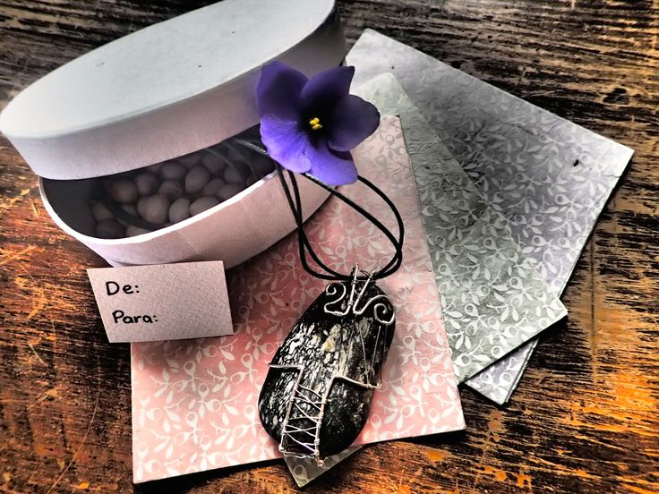 Handmade wire wrap jewelry by LaSolis