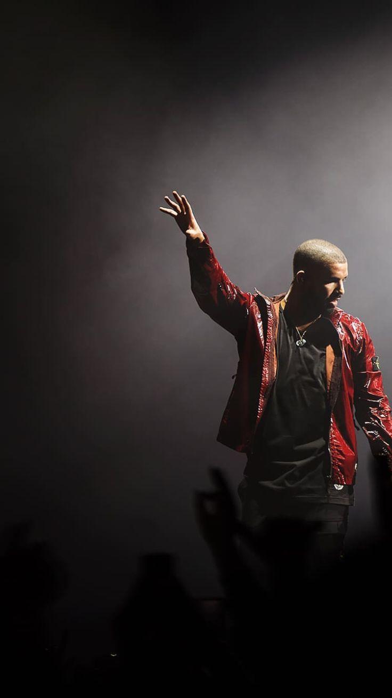 Drake: Photo by Olav