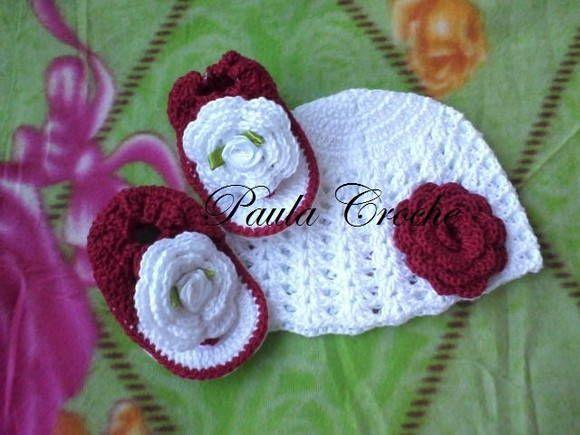 sapatinho e toquinha de croche com linha 100% algodao tamanhos 0 a 3 e 3 a 6 meses cores a critério do comprador R$ 50,00