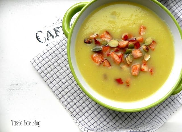 Taste Eat: Zupa krem z cukinii z drobiowymi grzankami