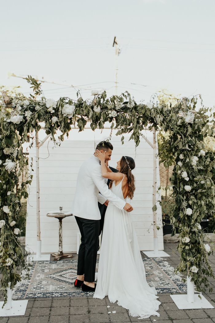 Earthy Luxe Oregon Wedding at Castaway Portland