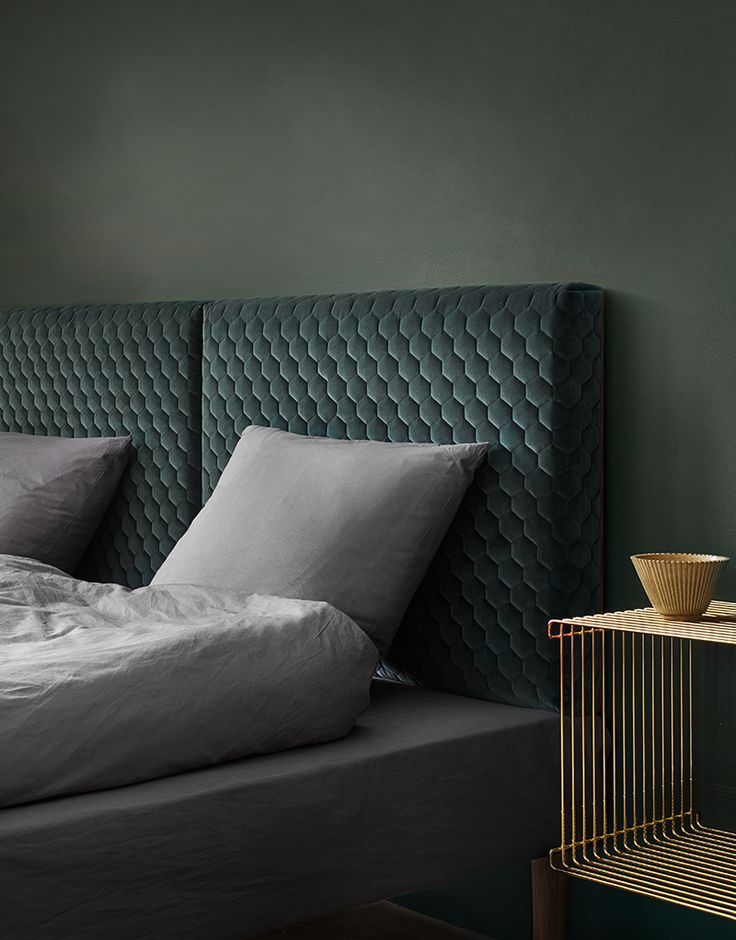 Sophisticated and cozy at the same time. The Diamond headboard invites you into a world of sweet dreams. The unique three-dimensional velvet has a graphic hexagonal diamond structure softened by a premium triple quilting to give a plush finish. The diamond headboard is designed and handmade in Denmark.