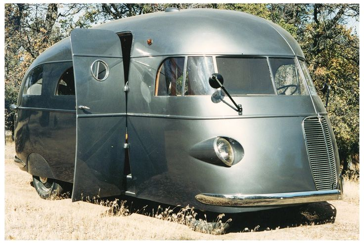 1937 Hunt Housecar, built on a Ford chassis. LOVE THIS ONE!!