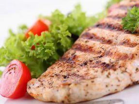 🍏5 рецептов ужина с куриной грудкой🍏  Каким должен быть идеальный ужин? Здоровым, сбалансированным и вкусным! Предлагаем вам несколько таких вариантов.📌  1. Быстрые куриные котлетки 🔸на 100грамм - 136.41 ккал🔸Б/Ж/У - 19.95/3.21/6.9🔸  Ингредиенты: Куриная грудка — 1 шт. Яйцо — 1 шт. Мука пшеничная — 2 ст. л. Сметана — 2 ст. л. Соль по вкусу Перец черный молотый по вкусу  Приготовление: 1. Куриную грудку мелко нарубите, добавьте яйцо, муку, приправьте и хорошенько перемешайте. 2…