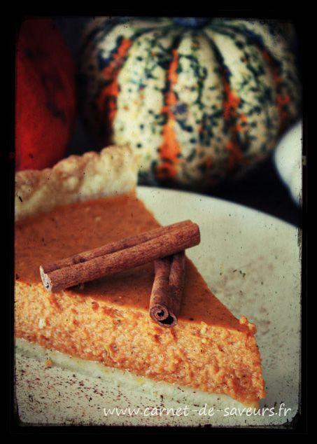 C'est parti pour la saison de la citrouille ! :) Ingrédients : - 1 pâte sablée (ou brisée sucrée, au choix) - 1kg de chair de potiron - 3 oeufs - 20cl de lait concentré non sucré - 150g de sucre ro...