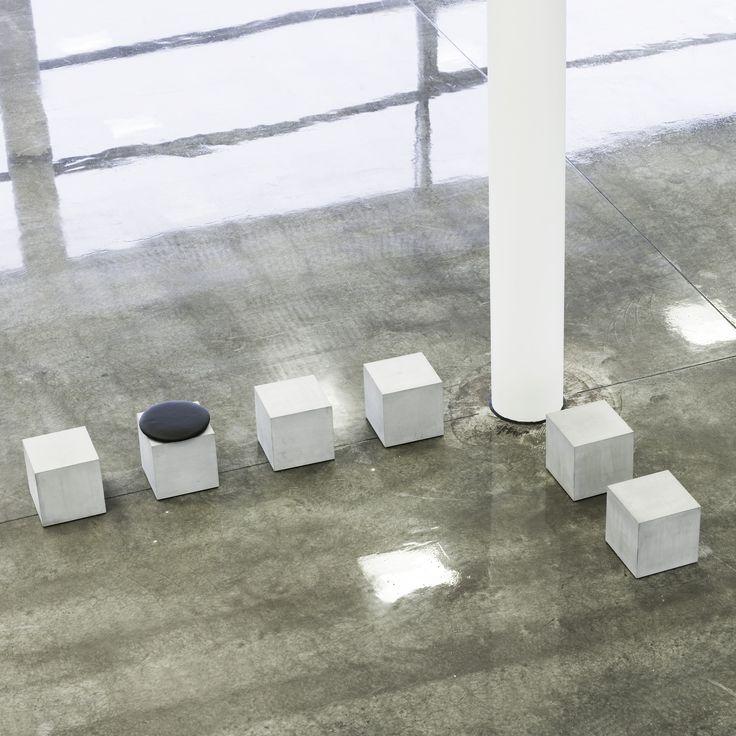 Reflect Team - Q30 Q40 - moffice.dk #møbler #børn #møblertilbørn #beton #design