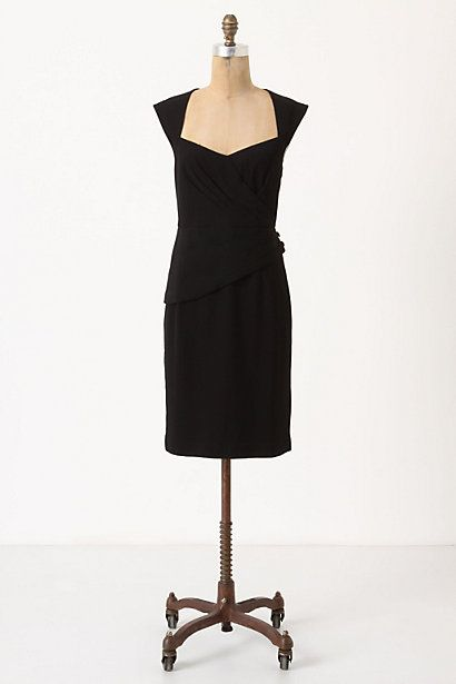 Looking for a new LBD.  I like this classic cut.