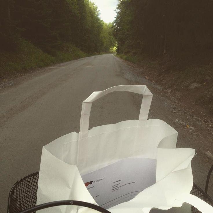 Televerans på väg. Idag per cykel på idyllisk skogsväg. #ekologisktte #klimatsmart #byttilleko #te