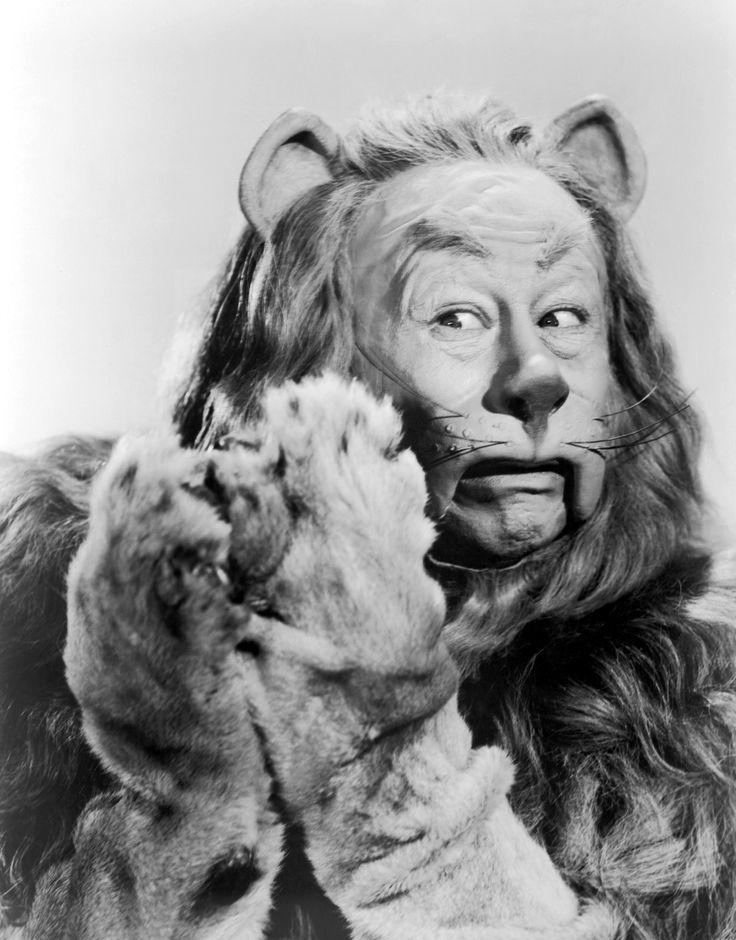 I do believe In Spooks!: Classic Movie, Wizardofoz, Cowardly Lion, Bert Lahr, Lion Wizards, Lion Costumes, Wizards Of Oz, Wizard Of Oz, Yellow Bricks