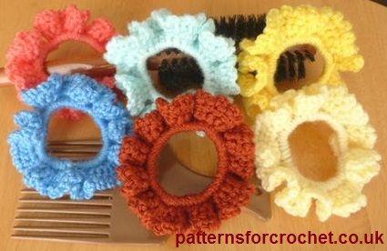 Free crochet pattern for scrunchie http://patternsforcrochet.co.uk/scrunchie-usa.html #freecrochetpatterns