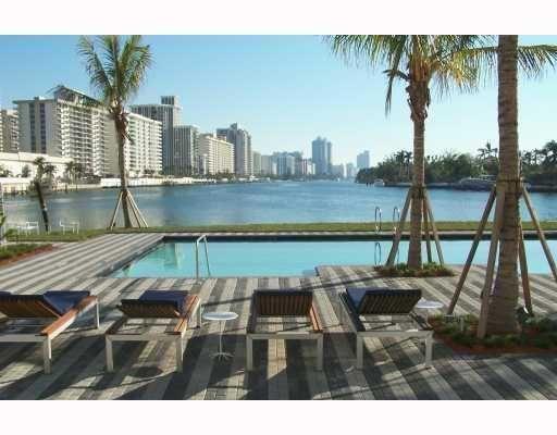 Aqua Apartments Miami Beach