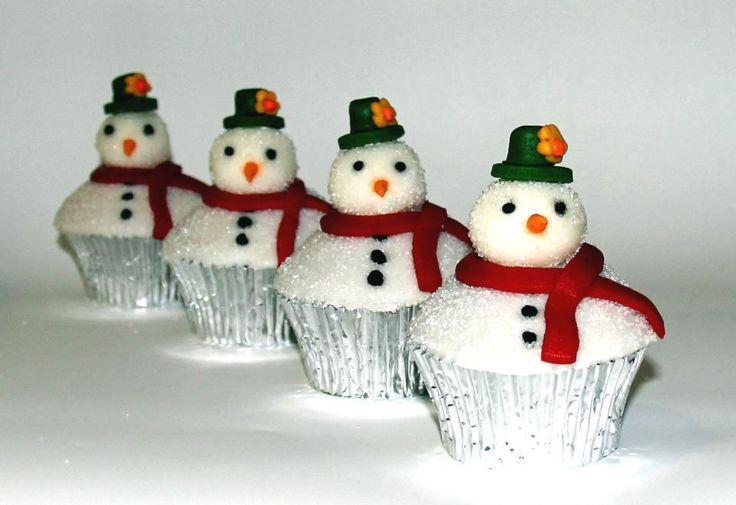 Frosty the Snowman Cupcakes Like us at www.facebook.com/melianndesigns