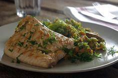 Broccolistampot van zoete aardappelen met gegrilde zalm en dille   A.Vogel