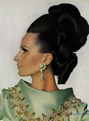 1960s Big Hair! Sooo 18thC! Love it. Couture Allure Vintage Fashion