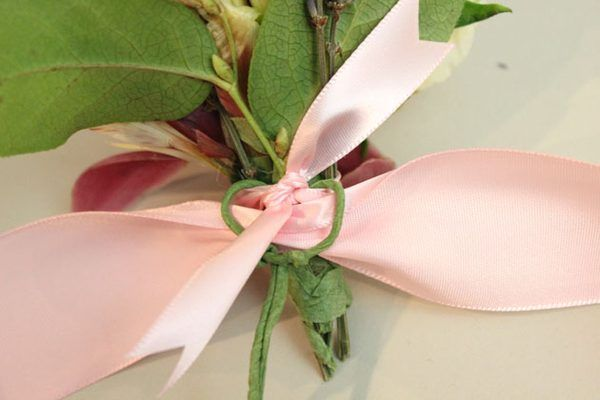 how to make a corsage bow with narrow ribbon