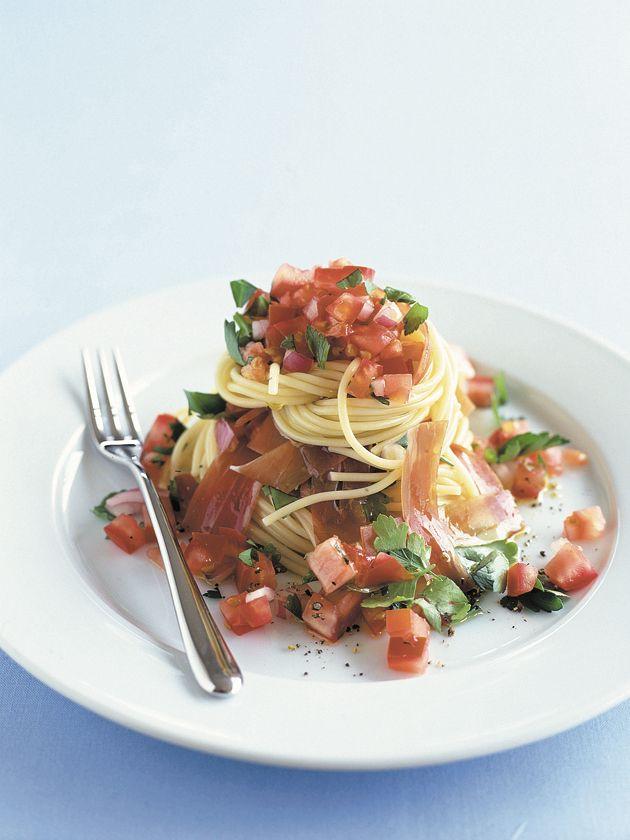 Prosciutto and fresh tomato spaghetti