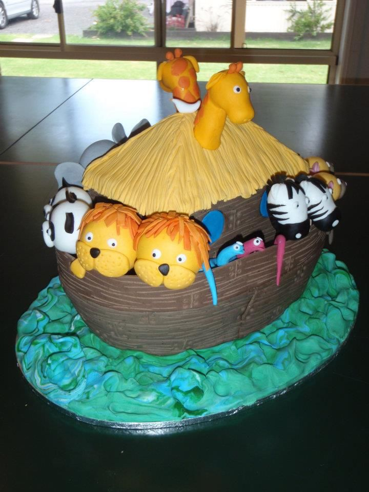 Lani's 2nd Birthday Cake (didn't realise that I made 2 male lions until after the party was over lol - so in my version of Noah's ark, the lions died out).