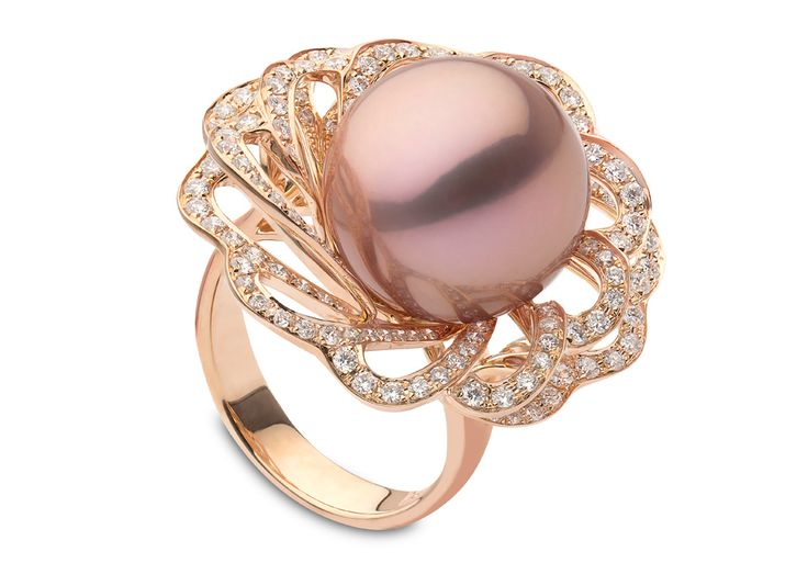 Yoko London 18kt rose gold with 1.40cts diamonds and a natural colour pink Freshwater pearl 14-15mm