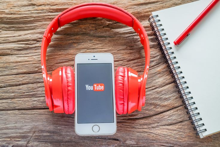 Niespełna trzy lata temu pierwsze kanały na polskim YouTube przekroczyły próg miliona subskrybentów. SA Wardęga, Abstrachuje.tv i Niekryty Krytyk, bo o nich mowa, wciąż znajdują się w ścisłej czołówce najpopularniejszych polskich YouTuberów. Ale grono kanałów, które mają ponad milion subskrypcji w naszym kraju bardzo się powiększyło: dołączyły do niego aż 22 kolejne.