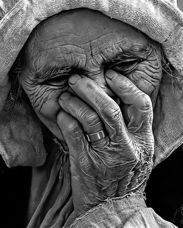 old-woman-by-kinglord