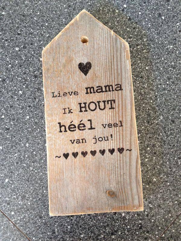 Huisje van steigerhout met tekst, te bestellen via www.werestore.nl